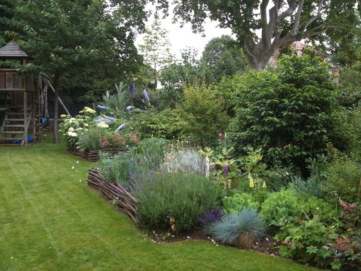 Bataille parcs et jardins paysagiste au v sinet for Recherche entretien jardin